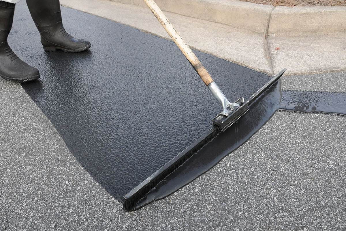 Four Reasons why Asphalt Requires Sealcoating
